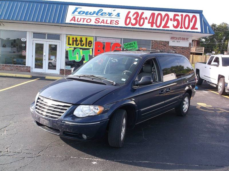 2005 Chrysler Town and Country for sale at Fowler's Auto Sales in Pacific MO