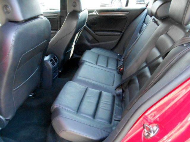 2011 Volkswagen GTI 2dr Hatchback 6A w/ Sunroof - Framingham MA
