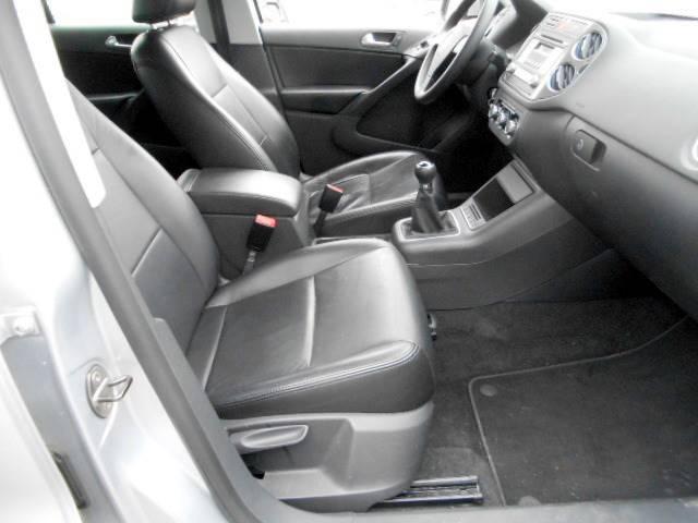 2010 Volkswagen Tiguan S 4dr SUV 6M - Framingham MA