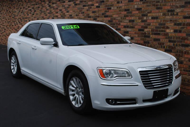 2014 Chrysler 300 4dr Sedan - Kalamazoo MI