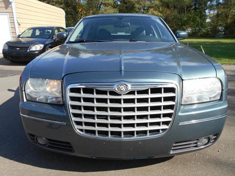 2005 Chrysler 300 for sale in Mount Morris, MI