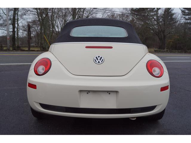 2007 Volkswagen New Beetle 2.5 PZEV 2dr Convertible (2.5L I5 6A) - Swansea MA