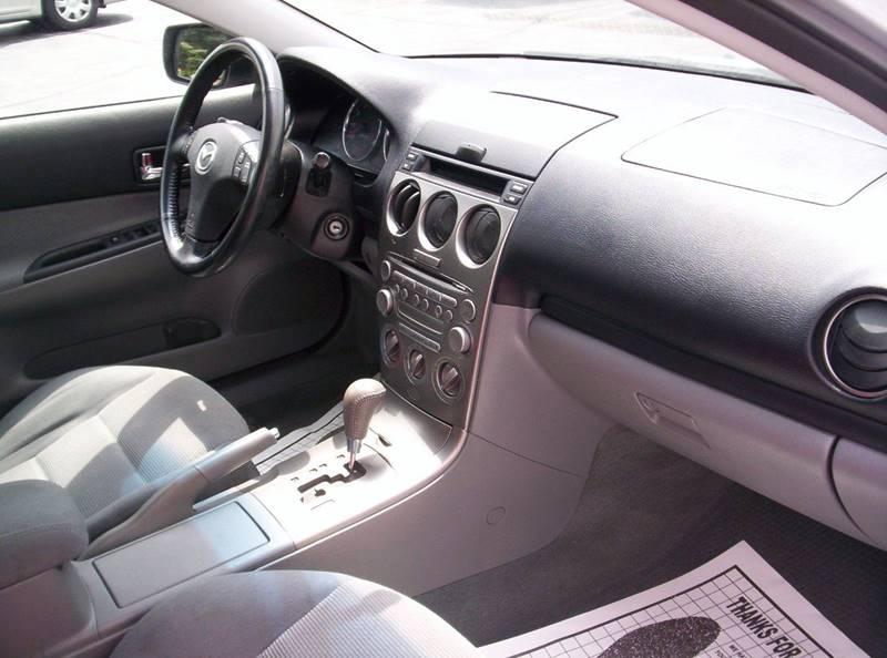2004 Mazda MAZDA6 i 4dr Sports Sedan - Loves Park IL