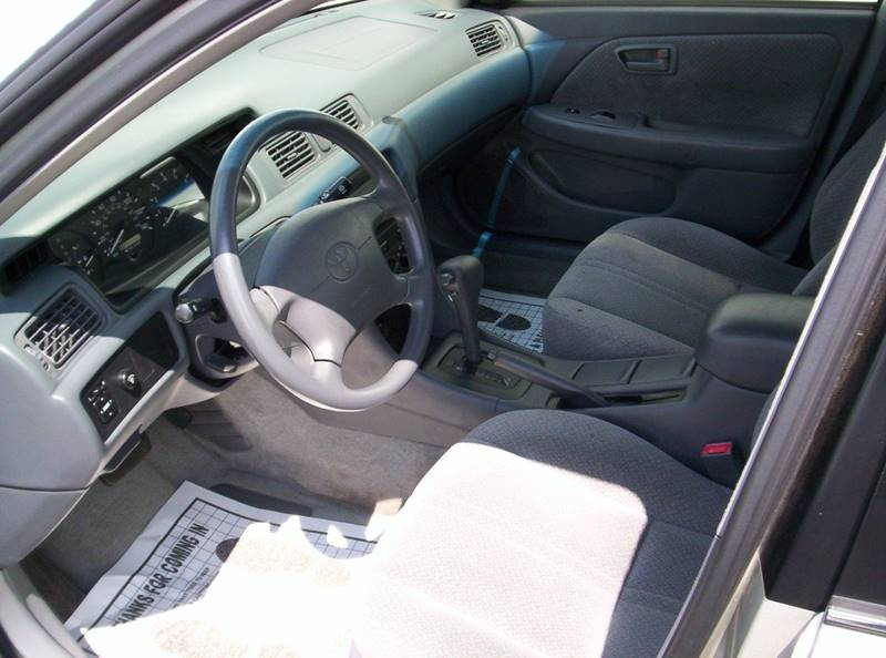 2000 Toyota Camry LE 4dr Sedan - Loves Park IL