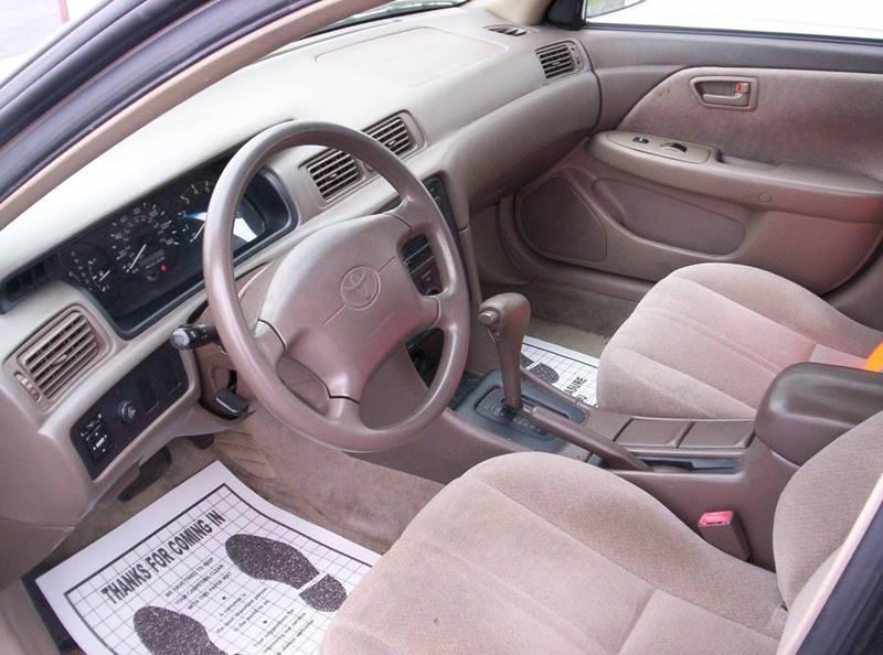 2001 Toyota Camry LE 4dr Sedan - Loves Park IL