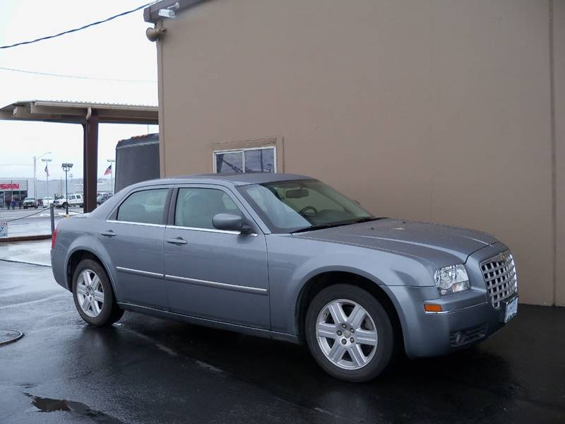 2006 CHRYSLER 300 LIMITED AWD 4DR SEDAN silver limited all wheel drive recent local tradein 35