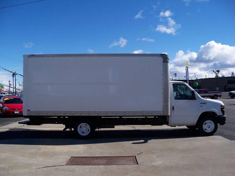 2011 FORD E-350 16' BOX VAN