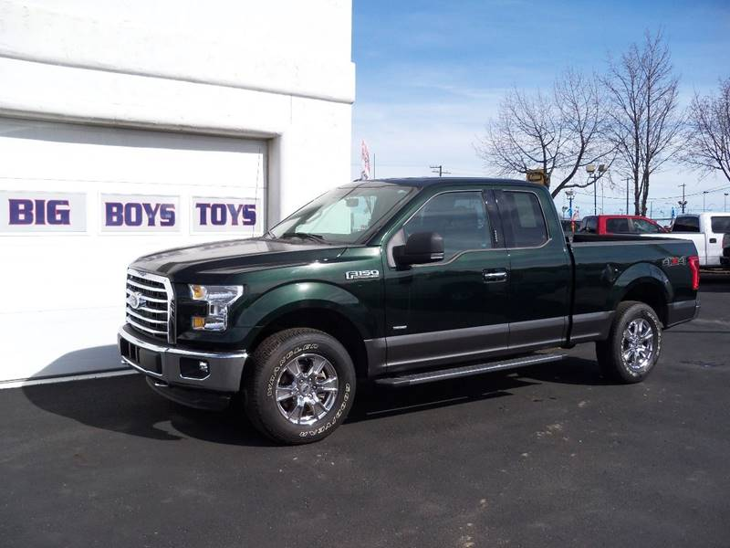 2015 FORD F-150 XLT 4X4 4DR SUPERCAB 65 FT SB green gemgrey bottom magneti
