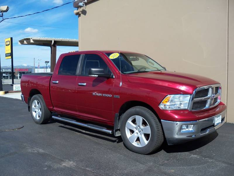 2011 RAM RAM PICKUP 1500 BIG HORN 4X4 4DR CREW CAB 55 FT flame red clearcoat us truck   slt  big