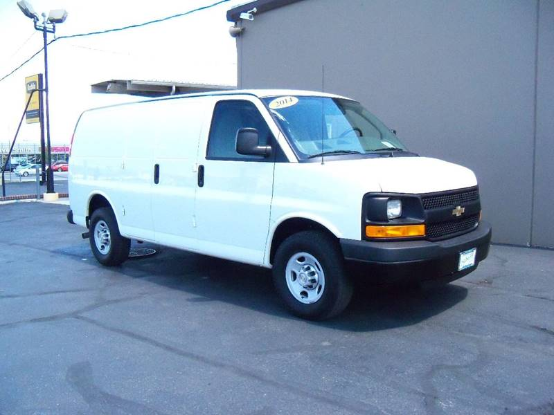 2014 CHEVROLET EXPRESS CARGO 2500 3DR CARGO VAN W1WT white ready to go to work nicely equipped