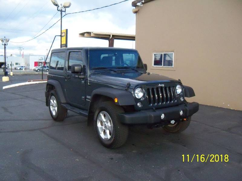2018 JEEP WRANGLER SPORT 4X4 2DR SUV dark pewter almost new  36l v6 automatic 4wd tilt cruis