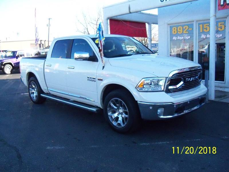 2017 RAM RAM PICKUP 1500 LARAMIE LIMITED 4X4 4DR CREW CAB white this one is loaded  remote starte