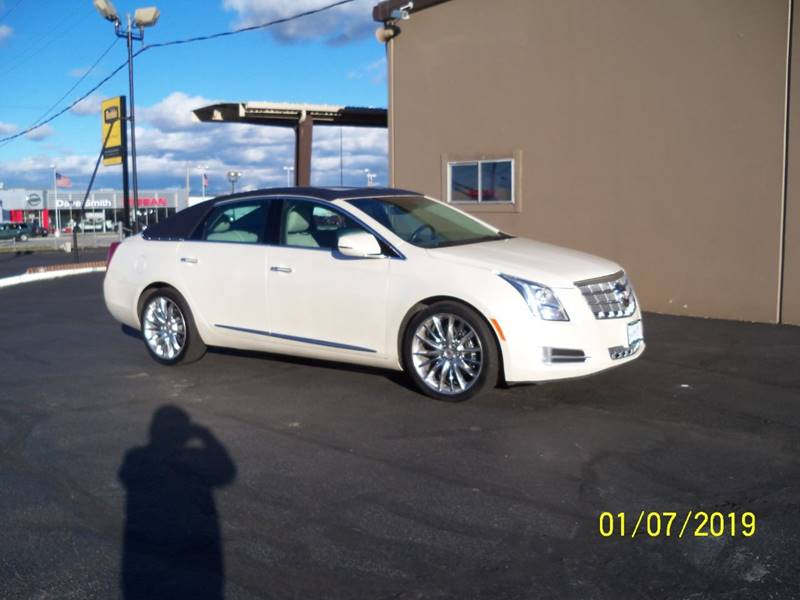 2013 CADILLAC XTS PLATINUM COLLECTION AWD 4DR SEDA diamond white stunning platinum  xts  wcabriol