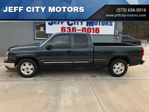 2004 Chevrolet Silverado 1500 for sale at JEFF CITY MOTORS in Holts Summit MO