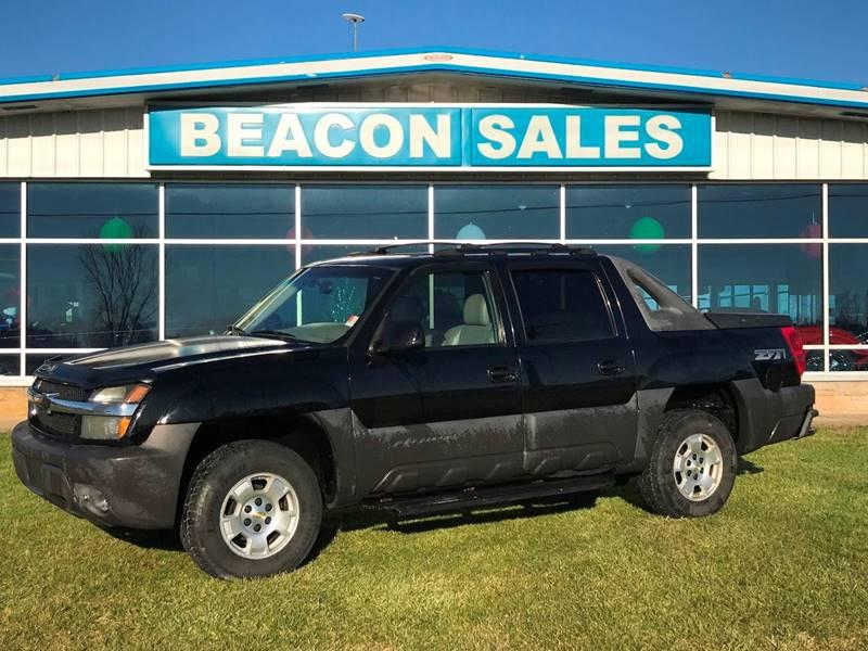 2003 Chevrolet Avalanche for sale at BEACON SALES & SERVICE in Charlotte MI