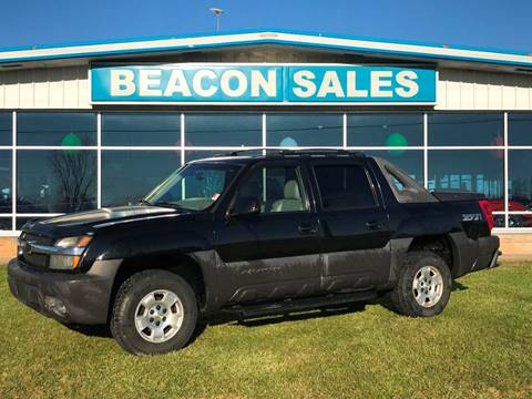 2003 Chevrolet Avalanche for sale at BEACON SALES & SERVICE in Charlotte MI