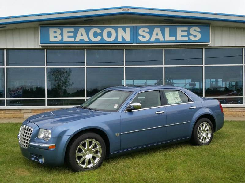 2007 Chrysler 300 for sale at BEACON SALES & SERVICE in Charlotte MI