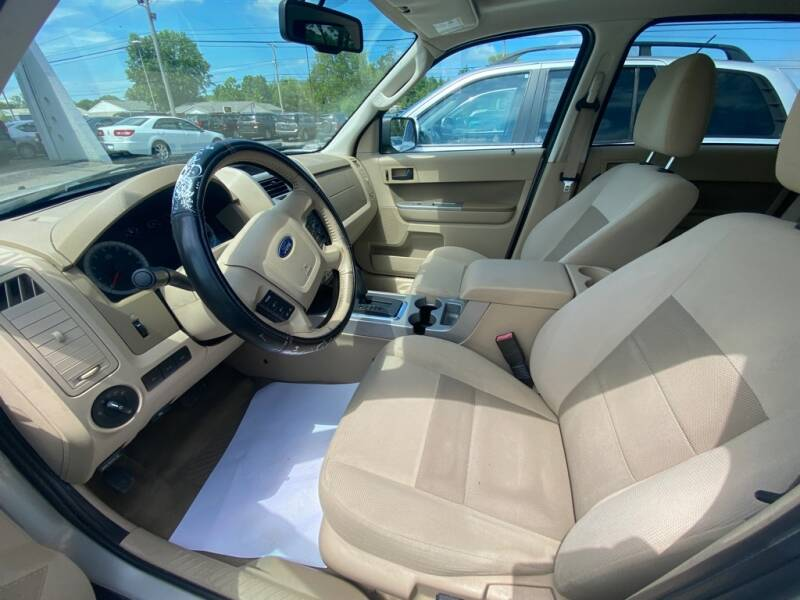 2009 Ford Escape XLT 4dr SUV - Amherst OH