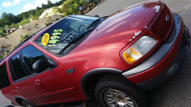 2001 Ford Expedition for sale at WINSTED MOTOR CARS LLC in Torrington CT