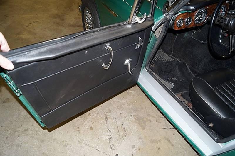 1967 Austin-Healey 3000 Mk III 14