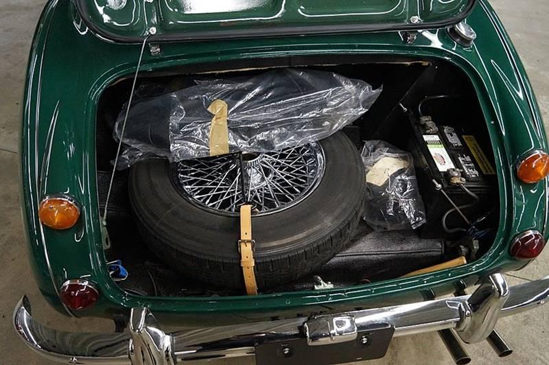 1967 Austin-Healey 3000 Mk III 25