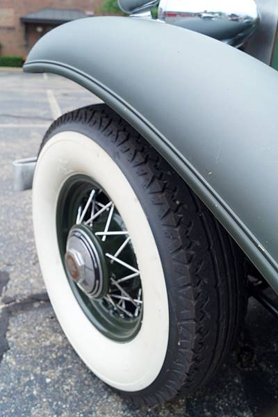 1932 Cadillac V12 6