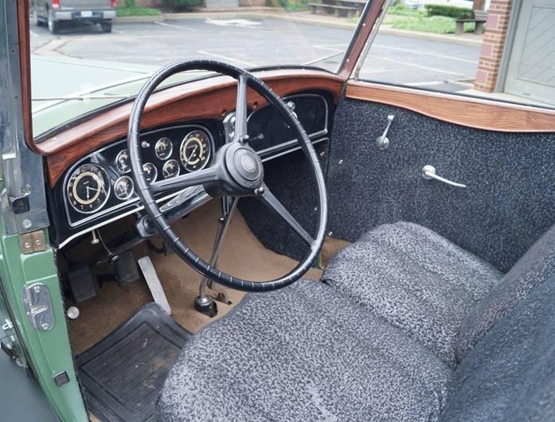 1932 Cadillac V12 18