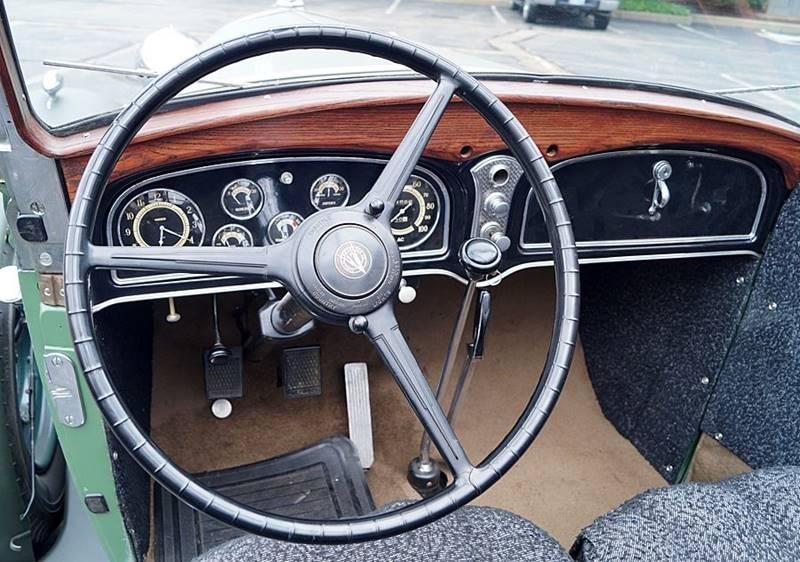 1932 Cadillac V12 20