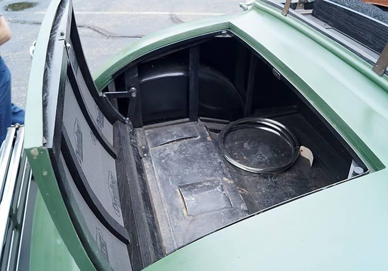 1932 Cadillac V12 24