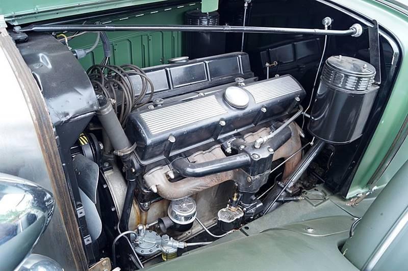 1932 Cadillac V12 30