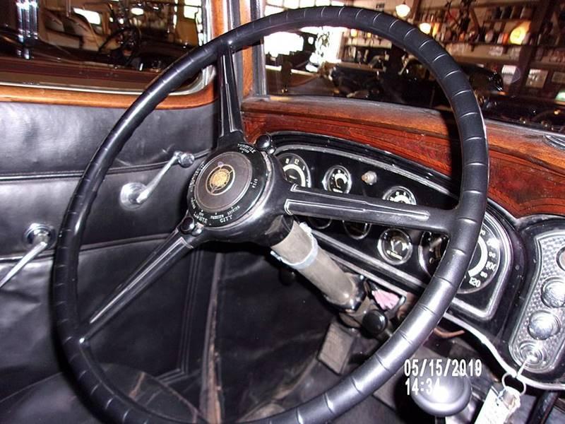 1932 Cadillac V16 11