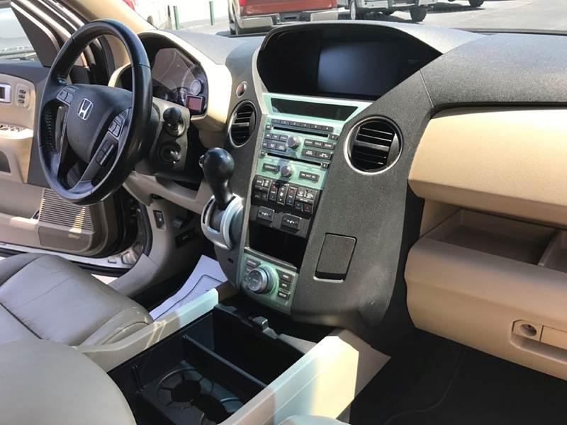 2010 Honda Pilot 4x4 Touring 4dr SUV w/Navi and DVD - Muscle Shoals AL