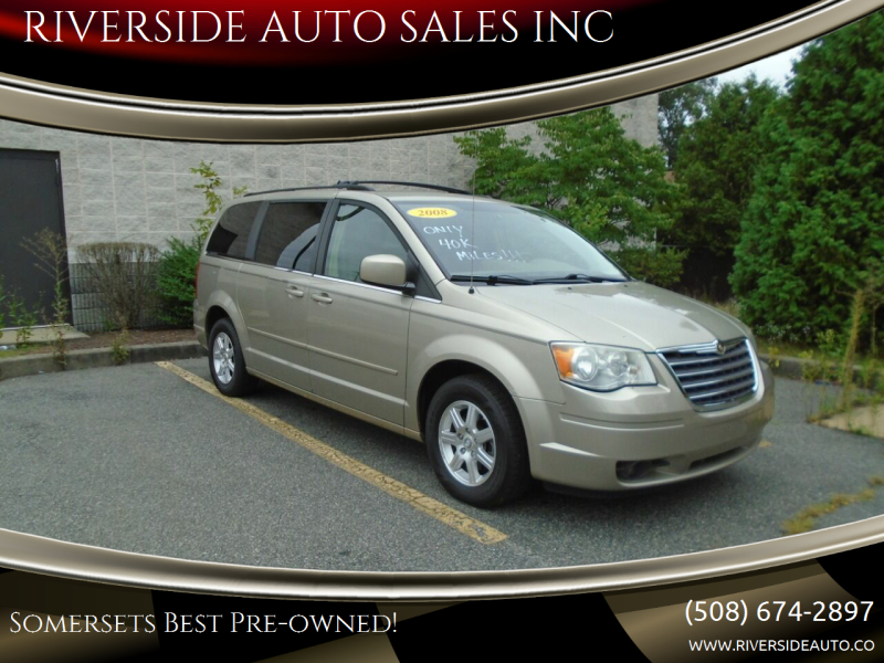2008 Chrysler Town and Country for sale at RIVERSIDE AUTO SALES INC in Somerset MA