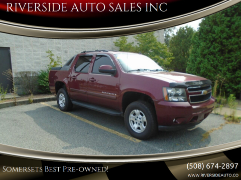 2008 Chevrolet Avalanche for sale at RIVERSIDE AUTO SALES INC in Somerset MA