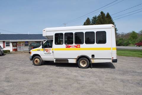 2006 Ford E-350 for sale at GLOVECARS.COM LLC in Johnstown NY
