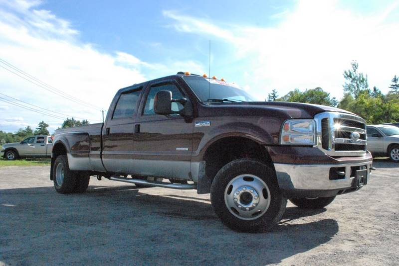 2006 Ford F-350 Super Duty for sale at GLOVECARS.COM LLC in Johnstown NY