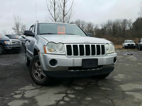 2006 Jeep Grand Cherokee for sale at GLOVECARS.COM LLC in Johnstown NY