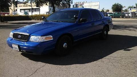 2004 Ford Crown Victoria for sale at Larry's Auto Sales Inc. in Fresno CA