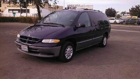 1997 Dodge Grand Caravan for sale at Larry's Auto Sales Inc. in Fresno CA