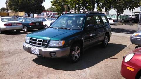2000 Subaru Forester for sale at Larry's Auto Sales Inc. in Fresno CA