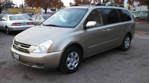 2006 Kia Sedona for sale at Larry's Auto Sales Inc. in Fresno CA