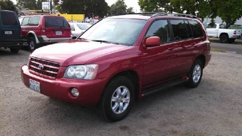 2003 Toyota Highlander for sale at Larry's Auto Sales Inc. in Fresno CA