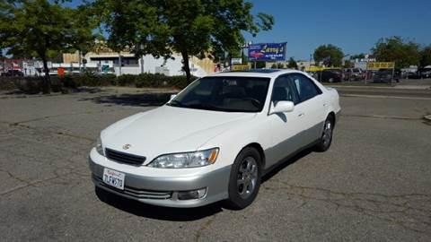 2000 Lexus ES 300 for sale at Larry's Auto Sales Inc. in Fresno CA