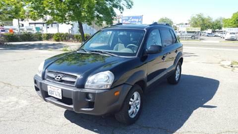 2007 Hyundai Tucson for sale at Larry's Auto Sales Inc. in Fresno CA