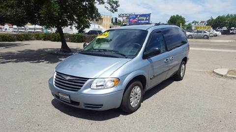 2006 Chrysler Town and Country for sale at Larry's Auto Sales Inc. in Fresno CA