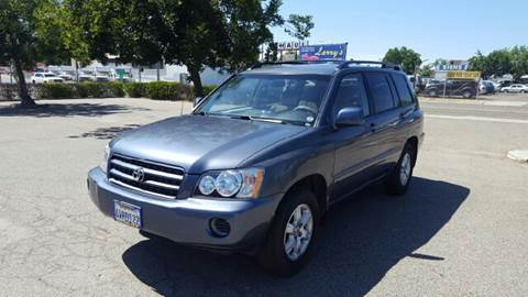 2002 Toyota Highlander for sale at Larry's Auto Sales Inc. in Fresno CA