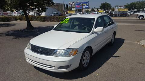 2001 Toyota Avalon for sale at Larry's Auto Sales Inc. in Fresno CA