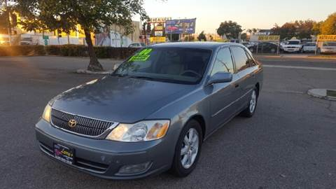 2000 Toyota Avalon for sale at Larry's Auto Sales Inc. in Fresno CA