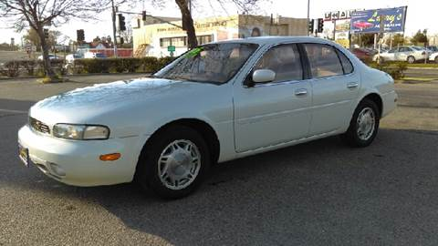 1995 Infiniti J30 for sale at Larry's Auto Sales Inc. in Fresno CA