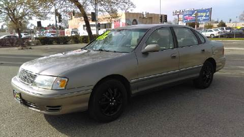 1998 Toyota Avalon for sale at Larry's Auto Sales Inc. in Fresno CA